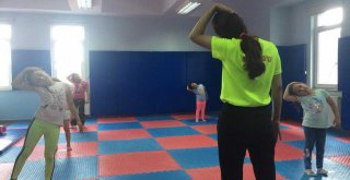 Ümraniye'de Spor Eğitimleri Yeniden Başladı