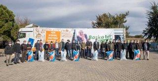 Büyükşehir'den Aliağalı üreticilere de yem desteği