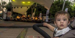 Büyükşehir'den YKS Sonrası Anlamlı Konser