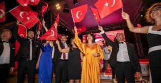 Tunç Soyer: 9 Eylül bir halkın özgürlük hikayesidir