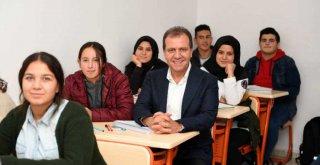 Mersin Büyükşehir'in Eğitime Desteği Sürüyor