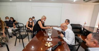 Başkan Soyer'den Gelinlik Fuarı mesajı:İzmirli firmalara pozitif ayrımcılık yapacağız