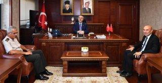 Soyer Vali Yavuz Selim Köşger'e hayırlı olsun ziyaretinde bulundu