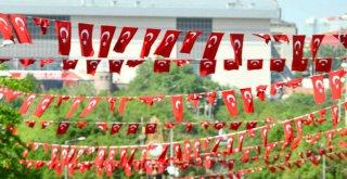 ANKARA'DA 19 MAYIS COŞKUSUNU EVLERE TAŞIYOR