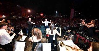 İzmirli sanatçılara Büyükşehir Belediyesi destek olacak