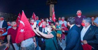 Başkan Soyer, Zafer Bayramı Korteji'ne katıldı