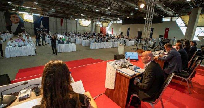 İzmir Büyükşehir Belediye Meclisi pandemi sonrası ilk kez toplandı