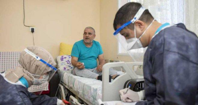 Büyükşehir, Evde Sağlık Hizmetiyle Yurttaşların Kapısını Çalıyor