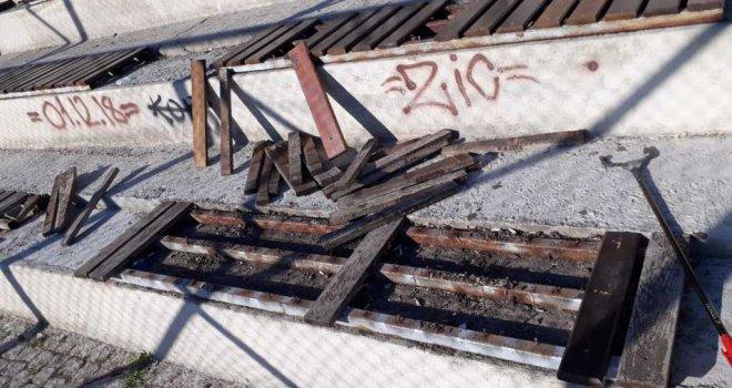 Ömer Bozkurt Parkı bir ay içerisinde üç kez tahrip edildi