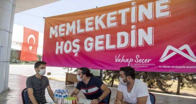 Mersin Büyükşehir Belediyesi, Kayıt İçin Kente Gelen Üniversitelileri Otogarda Karşılıyor