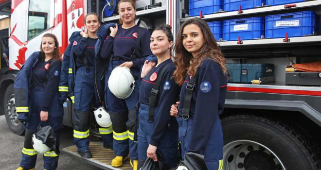 Antalya'nın yeni kadın itfaiyecileri