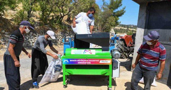 Mersin Büyükşehir Belediyesi'nin Tarıma Desteği Artarak Sürüyor