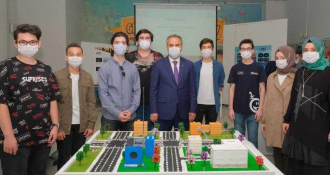 Başarı gençlerden, destek Büyükşehir'den