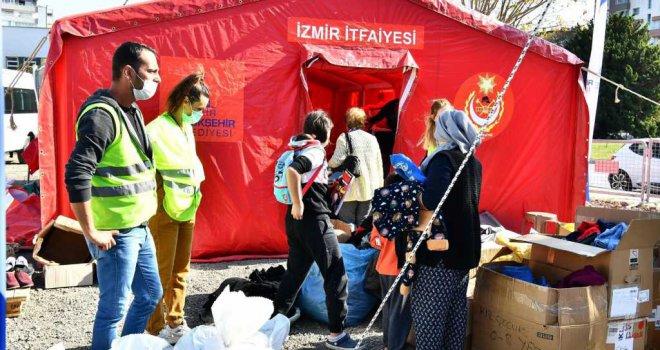 Parklardaki çadırlar Bayraklı'daki alana taşınıyor