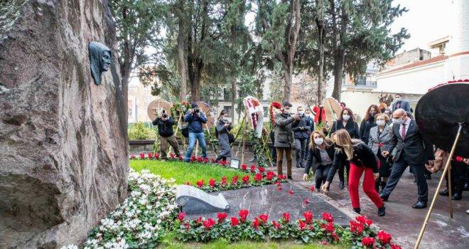 Zübeyde Hanım ölüm yıldönümünde anıldı