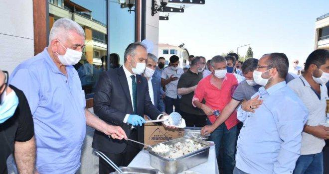 Başkan Aktaş, vatandaşlarla bayramlaştı