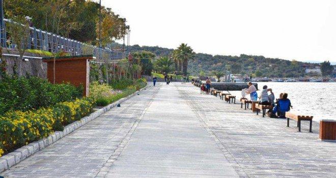 Büyükşehir Belediyesi ve İZSU'dan 3 turistik ilçeye tarihi yatırım