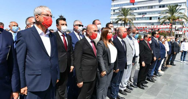 Başkan Soyer CHP'nin 9 Eylül törenine katıldı