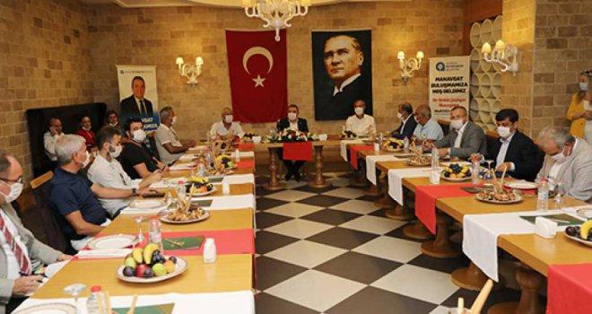 BAŞKAN BÖCEK MANAVGAT'TA TURİZMCİLERLE BULUŞTU