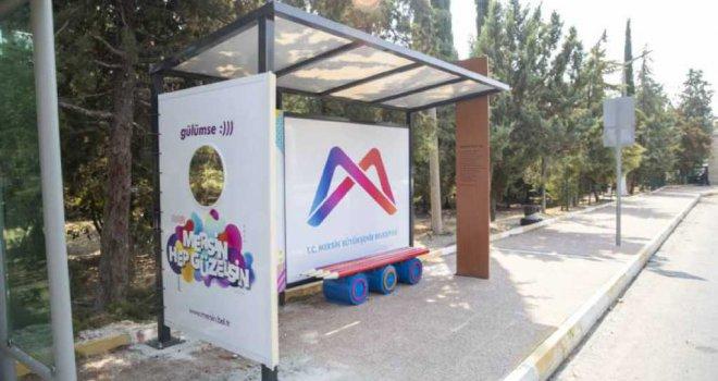 Mersin Büyükşehir'den Temalı Otobüs Durakları