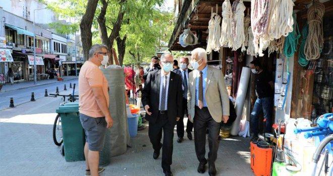 Başkan Gürün Esnafı Ziyaret Etti