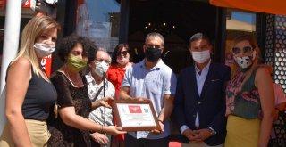 Foça'da ilk engelsiz Kırmızı Bayrak dalgalandı