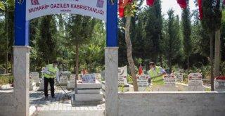Büyükşehir'den Mezarlıklarda