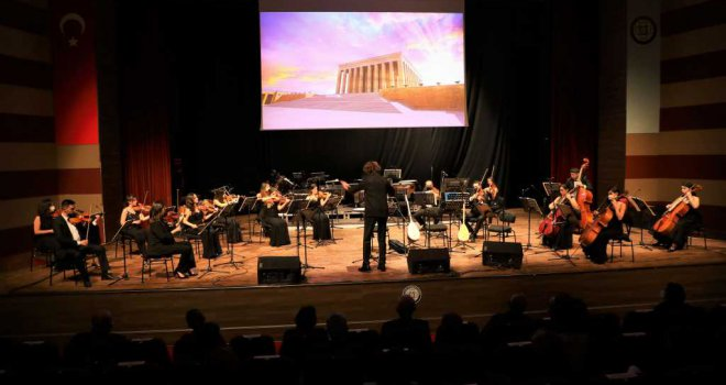 Atatürk, Muğla'da Sevdiği Şarkılarla Anıldı