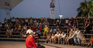 Mersin'de Bu Ne Biçim Mozart İsimli Anlatımlı Çocuk Konseri Gerçekleştirdi